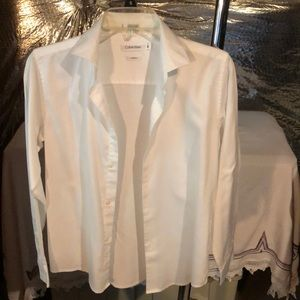 MEN CALVIN KLEIN BUTTON DOWN SHIRT